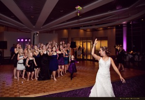 oak-brook-wedding-reception-bouquet-toss